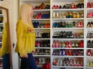 Koleksi Ratusan Sepatu Mahal, Wanita Ini Pakai Terus di Rumah saat Karantina