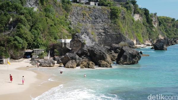 Pantai Kubu Beach bisa masuk daftar yang harus dikunjungi setelah badai Corona ini berlalu.
