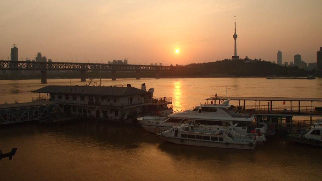 Wuhan, Sungai Yangtze, dan Rahasia Virus Corona Mendunia
