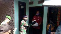 TNI AL Sebar Vitamin-Masker ke Nelayan Terdampak Corona di Cirebon