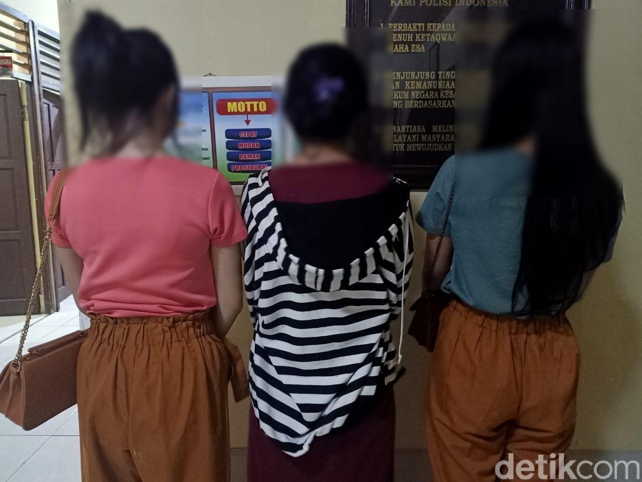 Aksi Konyol Siswi SMA Lepas Bra Di Social Media Halaman 2