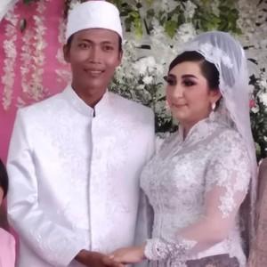 Bule Cantik Viral Dinikahi Petugas Kebersihan DKI, Begini Nasibnya Sekarang