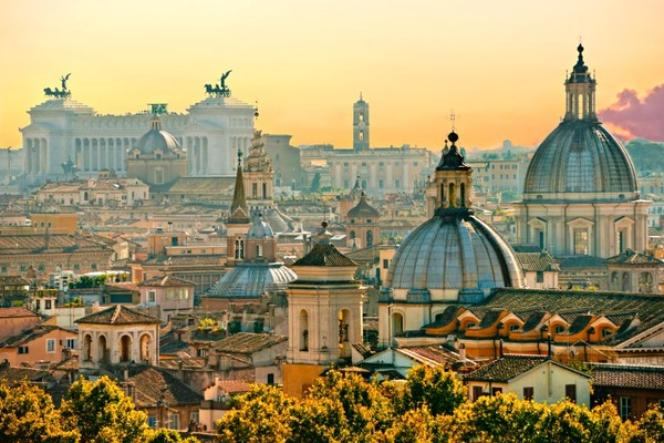 Banyak negara masih menutup diri untuk turis berpaspor konvensional atau hanya boleh dimasuki pebisnis. Italia, Finlandia, Spanyol, Luksemburg ada di peringkat keempat dengan skor 188negara bebas visa(Foto: Shutterstock)