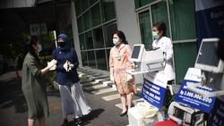 Pihak swasta juga turut serta memerangi COVID-19. Seperti pengadaan alat kesehatan berupa ventilator untuk Siloam Hospitals Group yang menangani Pasien Corona.