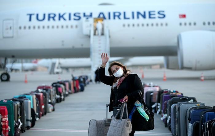 President Turki memulangkan warganya yang berada di luar negeri. Tujuannya agar mereka dapat menikmati bulan suci Ramadhan bersama keluarga di negari sendiri.