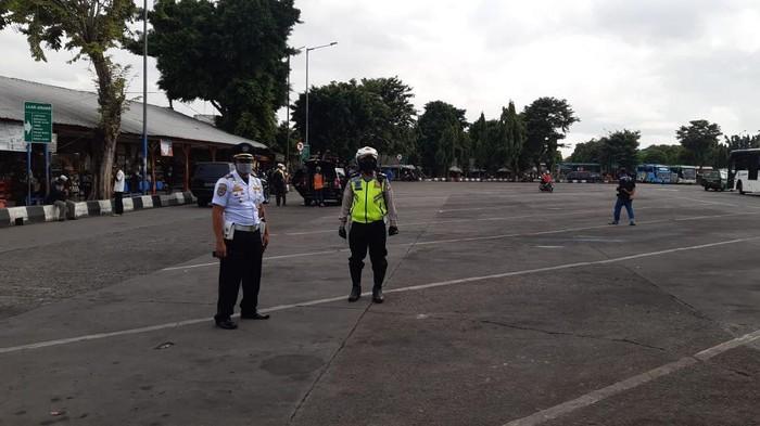 Terminal Kalideres, Jumat (24/4)