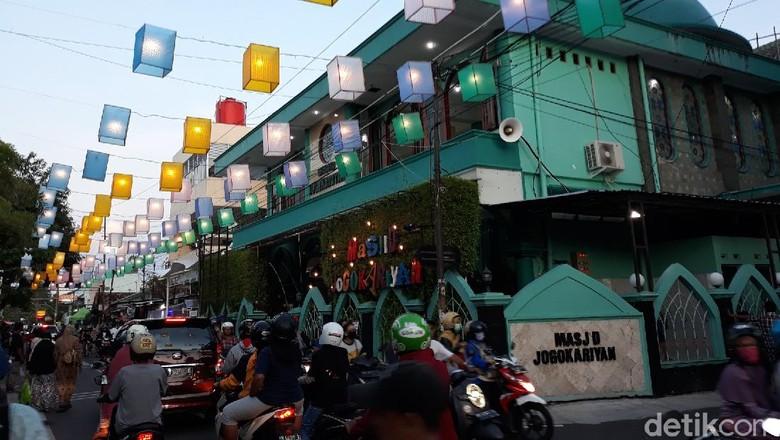 Suasana di Jalan Jogokariyan, Kota Yogyakarta, Jumat (24/4/2020)