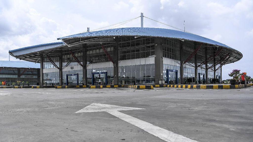 Sepi! Terminal Pulo Gebang Tutup Layanan Antar Kota