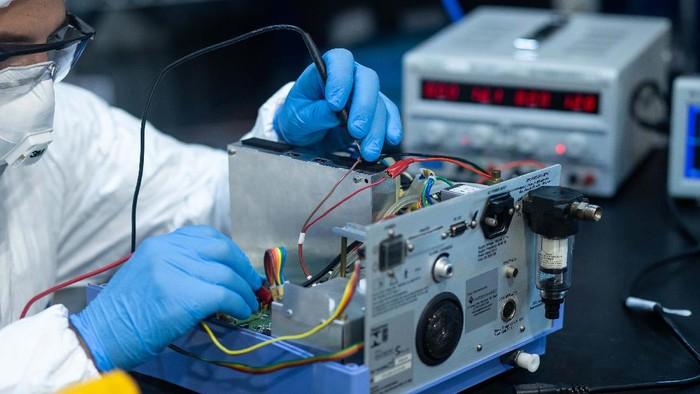 Di tengah wabah Corona, banyak ventilator udara di RS Brasil rusak dan tidak dapat digunakan. General Motors (GM) pun mengirimkan teknisi untuk memperbaikinya.