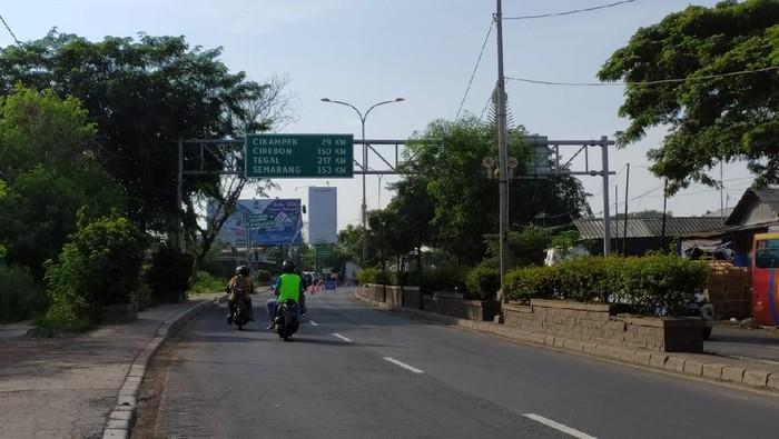 Kondisi jalan menjelang perbatasan Bekasi-Karawang
