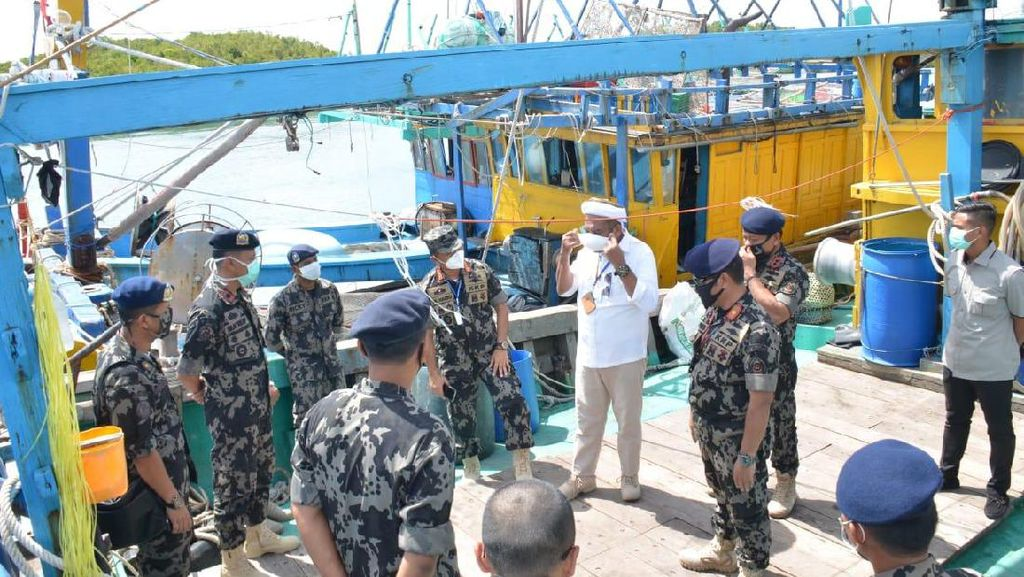 Ngabalin Apresiasi KKP Tangkap 32 Kapal Asing dalam Waktu 6 Bulan