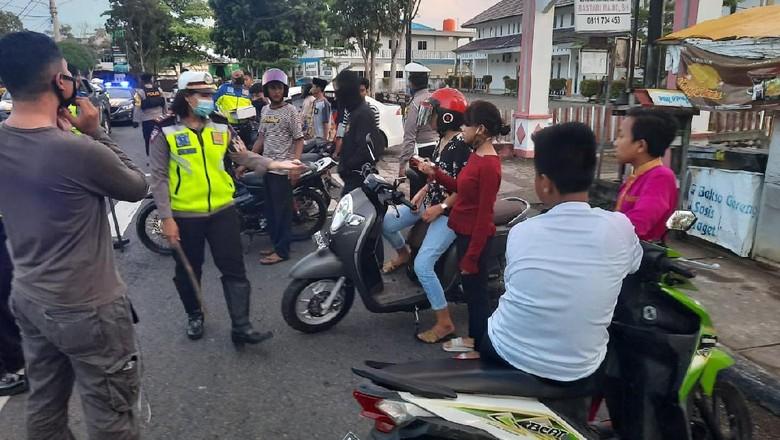 Merespon laporan keresahan warga soal balap liar, Polres Tanjungpinang langsung turun ke jalan menertibkan aksi tersebut.