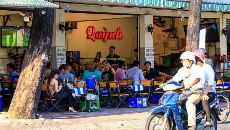 Masa isolasi atau praktik social distancing di kota Hanoi dan Ho Chi Minh City, Vietnam yang telah berlangsung selama 22 hari akhirnya berakhir.