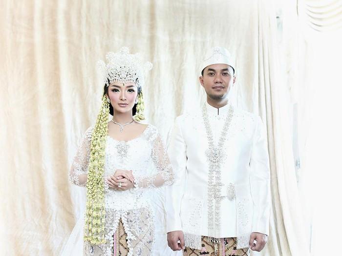 Zaskia Gotik dan Sirajuddin