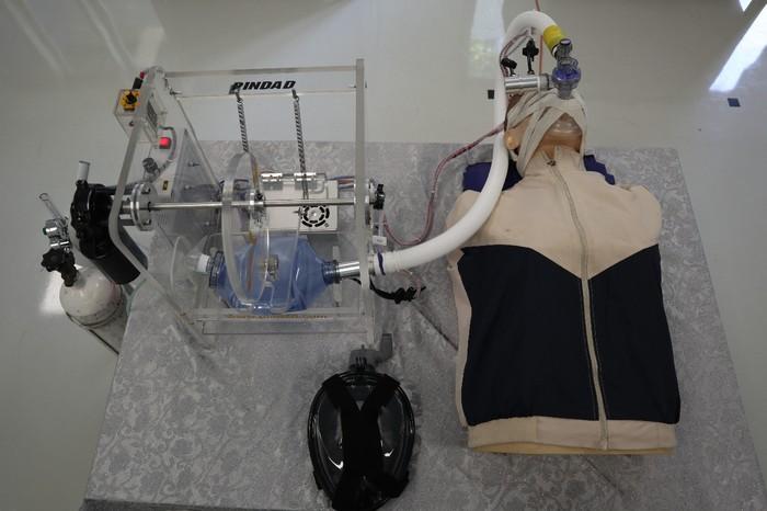 PT Pindad (Persero) memperkenalkan ventilator dan produk-produk lainnya untuk memerangi COVID-19.