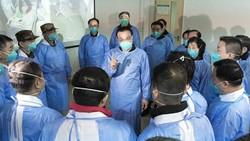 Seorang pakar kesehatan China menyebut vaksin Corona mungkin bisa tersedia untuk penggunaan darurat mulai September dan untuk publik mulai awal tahun depan.