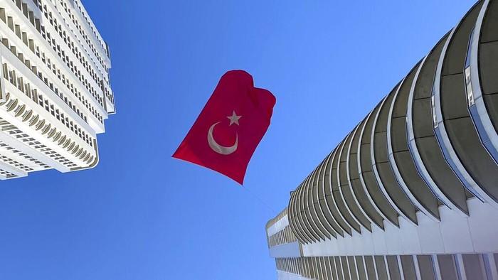 Jumlah kasus positif virus Corona di Turki terus bertambah cepat. Lebih dari 100 ribu kasus saat ini telah tercatat di negeri itu.