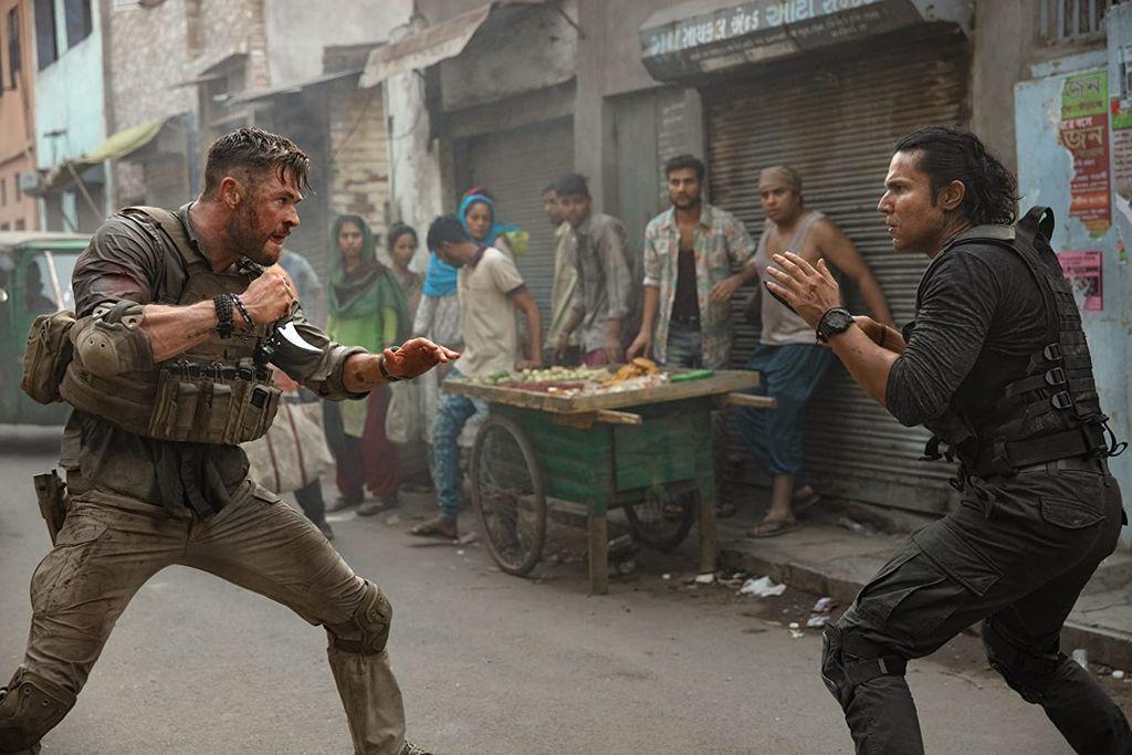 Chris Hemsworth dalam 'Extraction'