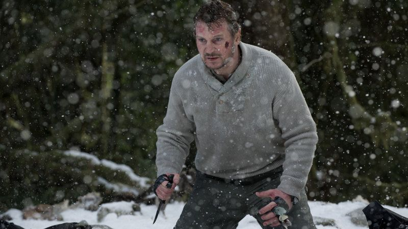 Liam Neeson dalam adegan di film 'The Grey'