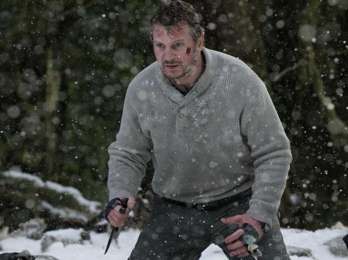 Liam Neeson dalam adegan di film The Grey
