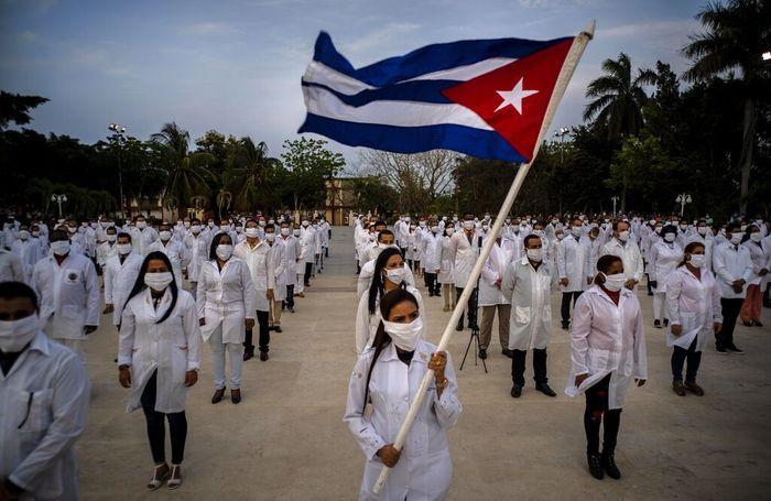 Kuba mengirim tenaga medis profesional ke Afrika Selatan. Hal itu dilakukan sebagai bentuk solidaritas dalam penanganan virus Corona yang jadi pandemi global.