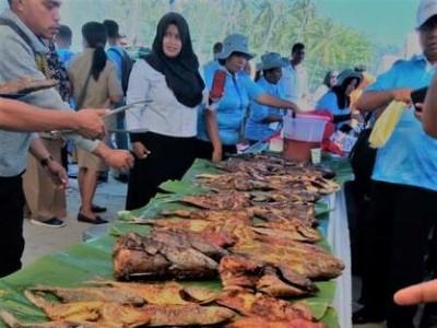 2,5 Ton Ikan Raja Ampat Dibakar di Acara Ini