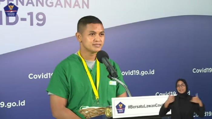 Ketua Tim Satgas COVID-19 Rumah Sakit Darurat Wisma Atlet, Kapten Fitdy, dalam siaran langsung melalui kanal YouTube BNPB
