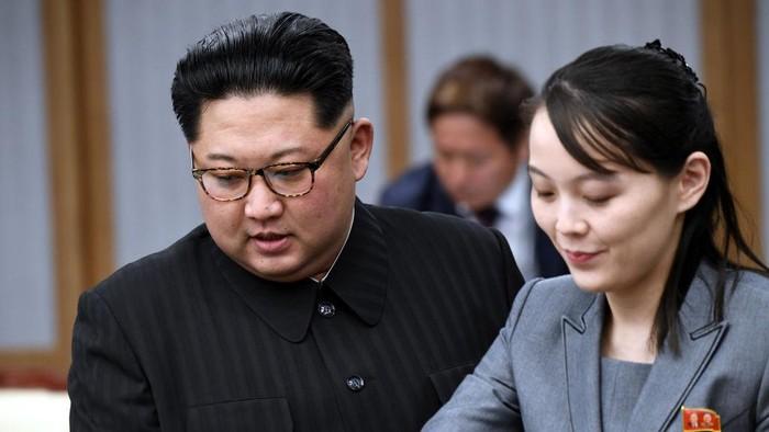 Kim Jong Un dan Kim Yo Jong menghadiri Inter-Korean Summit di Peace House pada 27 April 2018 in Panmunjom, South Korea.