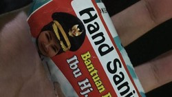 Anggota DPR Minta KPK Usut soal Hand Sanitizer Berstiker Bupati Klaten