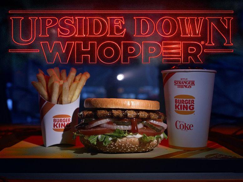 Burger King meluncurkan hamburger terbalik untuk perilisan Stranger Things musim ketiga.