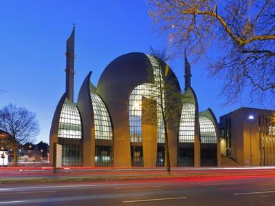 Anggunnya Masjid Raya Koln, Salah Satu yang Terbesar di Eropa