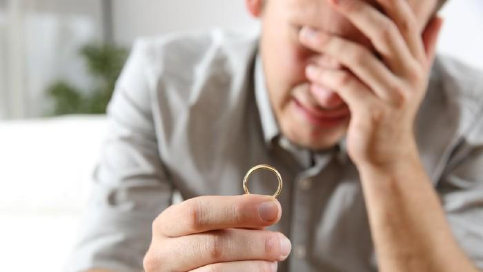 Ilustrasi pria ditipu calon istri