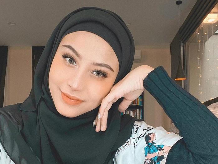 hijab awkarin