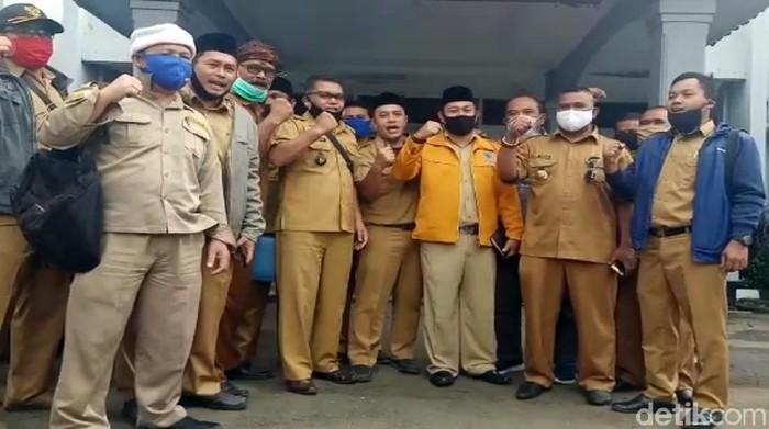 Kades di Sukabumi Tolak Bantuan Ridwan Kamil