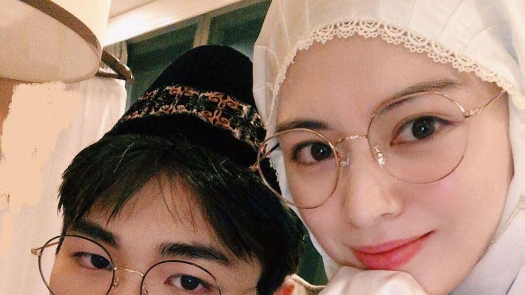 So Sweet! Kakek dan Nenek Ayana Jihye Moon Borong Takjil di Pasar