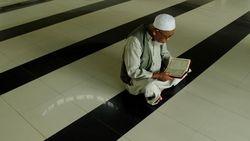 Kitab Suci Agama di Indonesia dan Tempat Ibadahnya