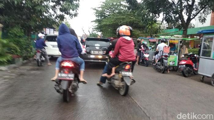 Suasana penjual takjil di Kota Bandung