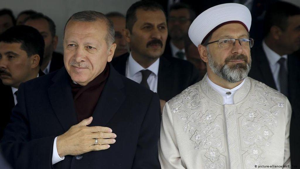Ulama Turki Picu Kontroversi Soal Hak LGBTQ+