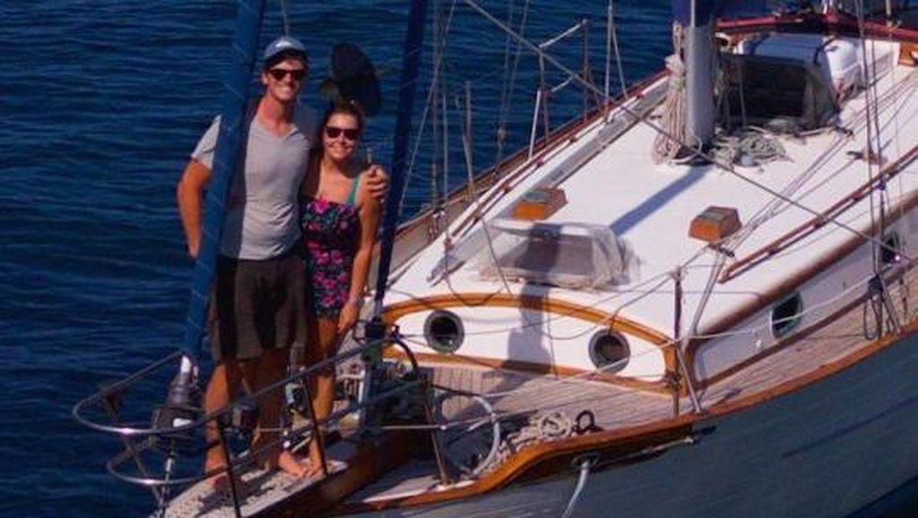 Foto: Pasangan Kekasih Asyik Keliling Dunia, Tak Tahu Ada Corona