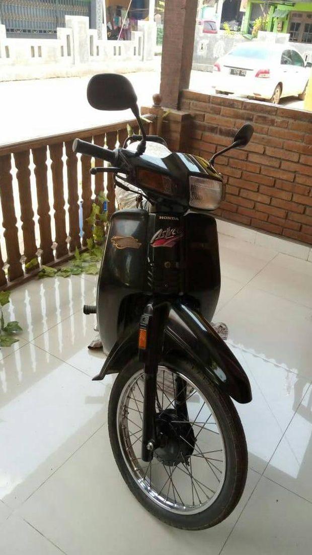 Honda Astrea Rp 100 juta