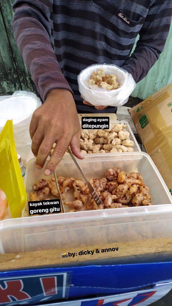 Penjual Tteokbokki Namai Produknya 'Oseng Lontong Sayur Ala Korea'