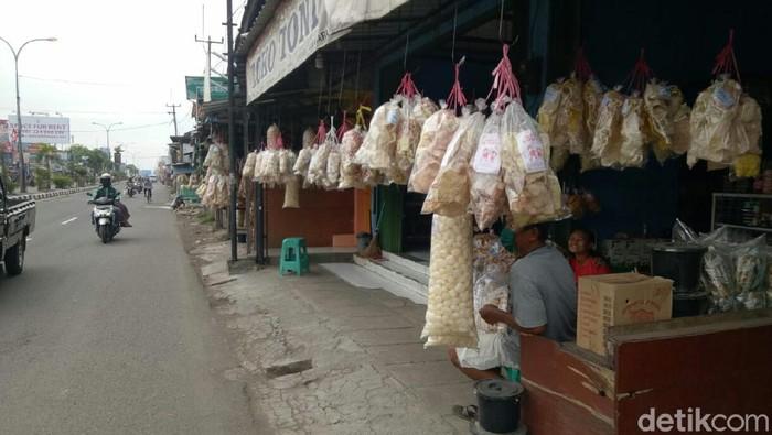 Penjual Makanan Khas di Cirebon