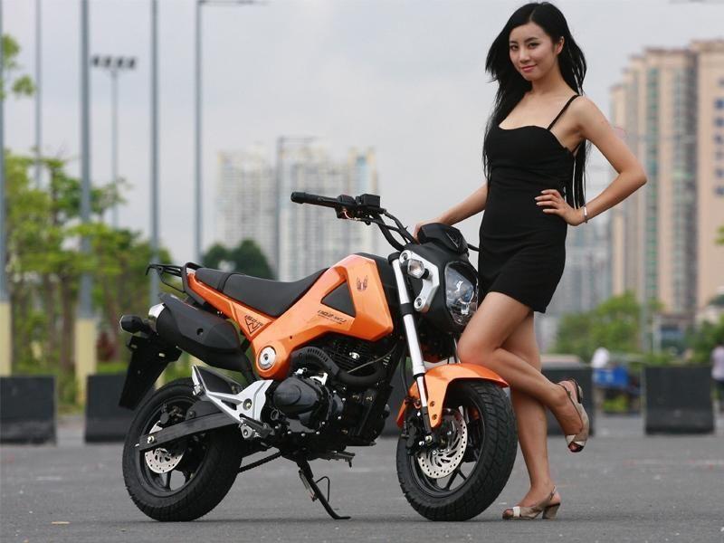 Motor tiruan buatan China