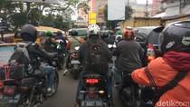 Wali Kota Cimahi Klaim PSBB Berhasil, Fakta di Lapangan Jalanan Masih Macet