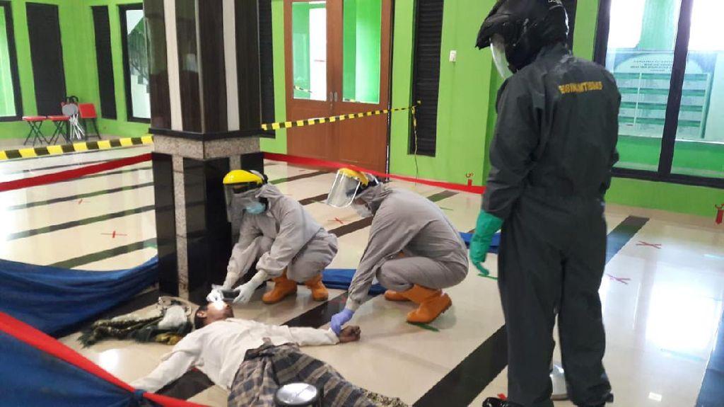Polisi: Pria yang Wafat Usai Salat Subuh Berjamaah di Bekasi Negatif Corona