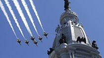 Penghormatan Skuadron Jet Tempur AS untuk Pekerja Medis