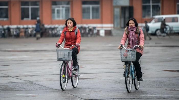 Kehidupan sehari-hari warga Korea Utara.