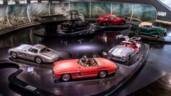 Mati Gaya di Rumah? Main-main ke Museum Mobil Dunia Yuk, Cukup Pakai Gadget