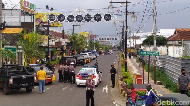 Penutupan Jalan Protokol di Cianjur