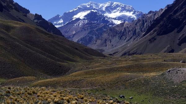 Mmenurut Mountain IQ, setidaknya 60% dari sekitar 4.000 pendaki tahunan Gunung Aconcagua tidak mencapai puncaknya. Konon, gunung ini memiliki tingkat kematian pendaki tertinggi di Amerika Selatan